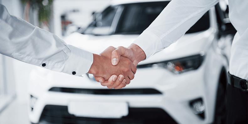 FØRSTE BIL: Husk å sjekke disse tingene før du kjøper din første bil