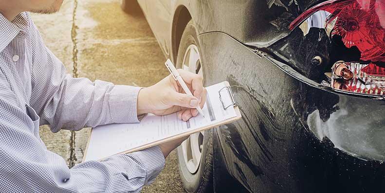 Bytt.no viser deg hva som dekkes av ansvarsforsikring, hvor mye det koster og hvordan du kan få en bedre og billigere forsikring til din bil.