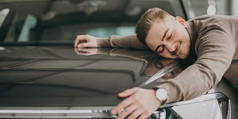 Bytt.no gir deg tipsene som gjør at du kan få en billig bilforsikring selv om du er ung og student.