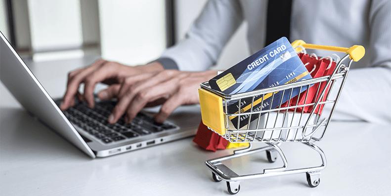 Bruker du et kredittkort eller et forbrukslån til oppussing? Vi ser nærmere på hvilke kjøp som lønner seg på kredittkort og når et forbrukslån er best