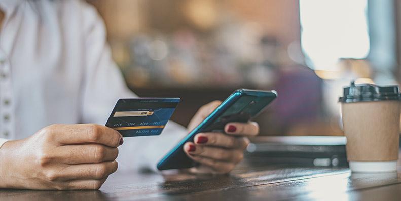Med refinansiering har du mulighet for å samle lån og gjeld i étt lån, enten det er forbrukslån, kredittkort eller andre dyre smålån og gjeldsposter.